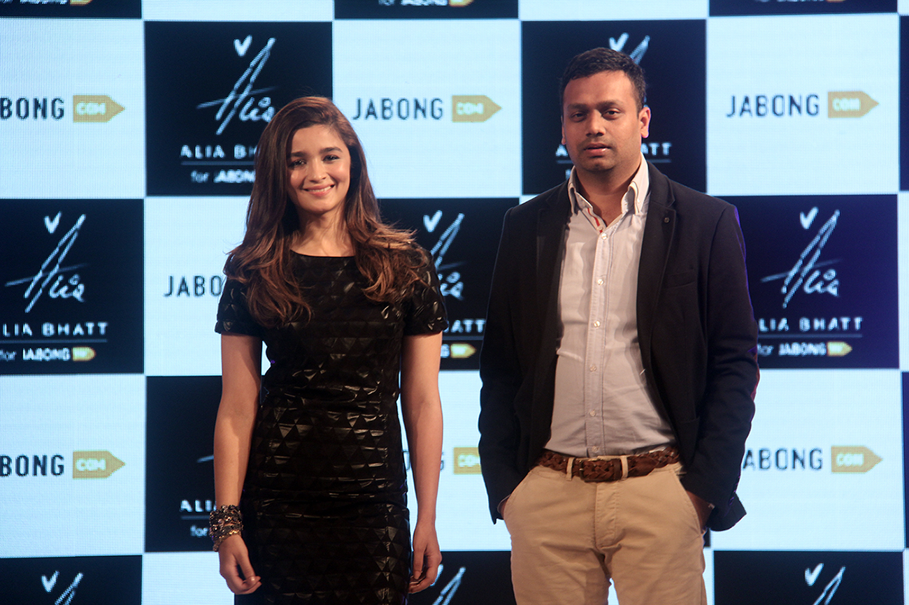 Alia Bhatt with Mr. Arun Chandra Mohan, Founder and CEO, Jabong.com to launch her apparel line exclusively on Jabong.com