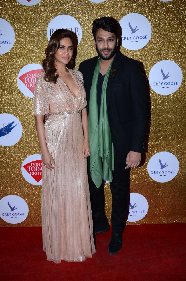 Esha Gupta with Nikhil Thampi
