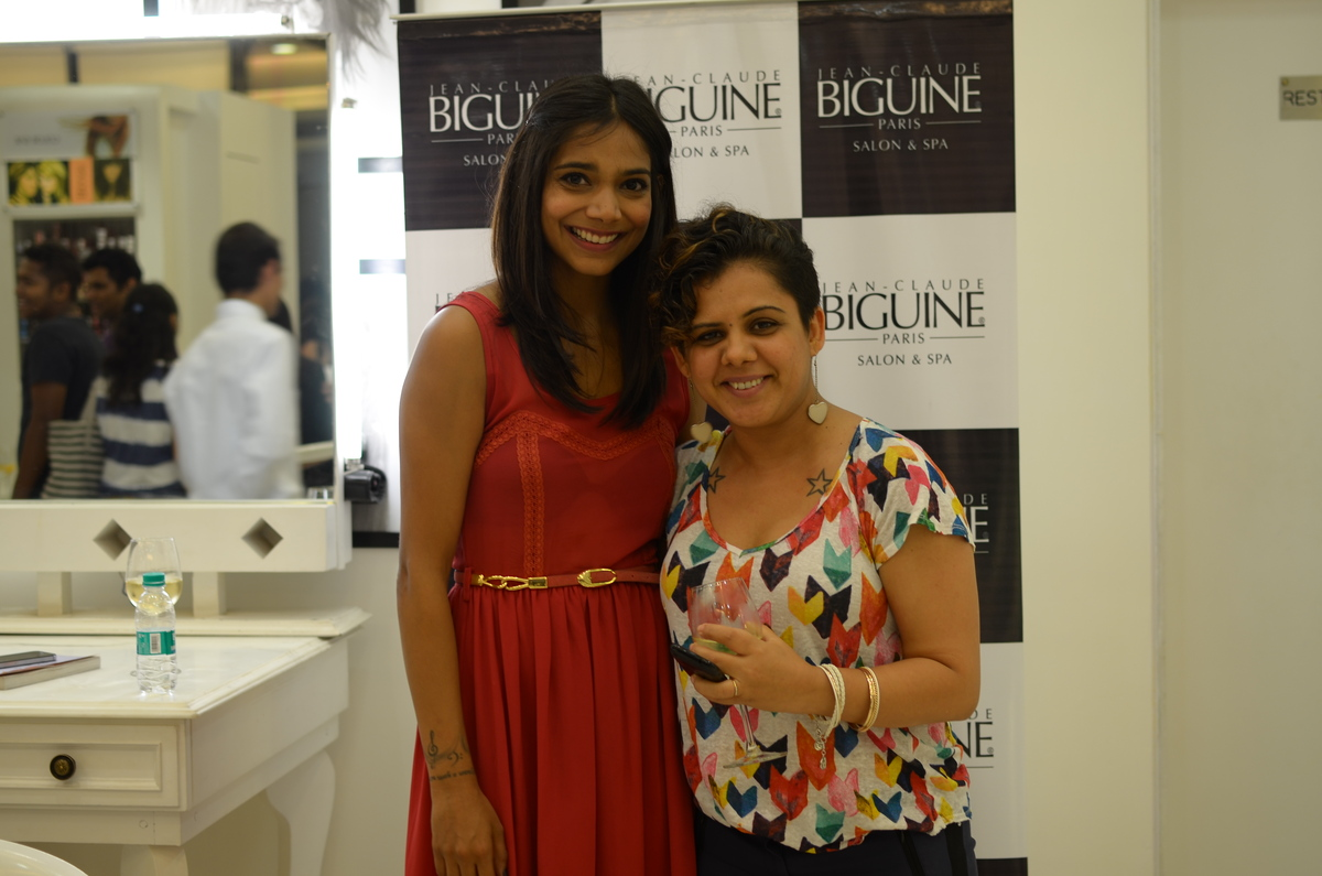 Fashion Stylist & Blogger Shalini Mehta and Juhi Pande