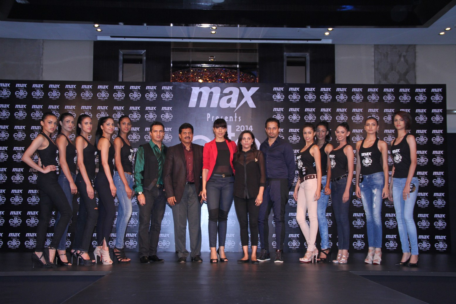 Final 10 girls with the judges at MAX presents Elite Model Look India 2014